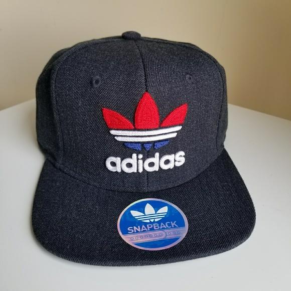 bc76870532313 ADIDAS MEN TREFOIL CHAIN SNAPBACK CAP